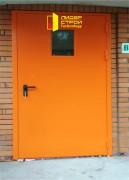 Входная противопожарная дверь со стеклом в научно-практический центр здоровья детей и подростков