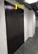 Установлены 2 двупольные противопожарные деревянные двери EI-30.