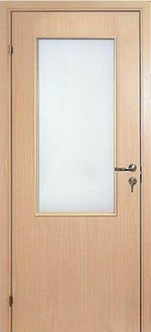 Деревянная дверь с остеклением покрытая бумажно-слоистым пластиком